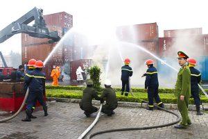 Cây xăng ở Móng Cái bốc cháy ngùn ngụt do hở Bugi